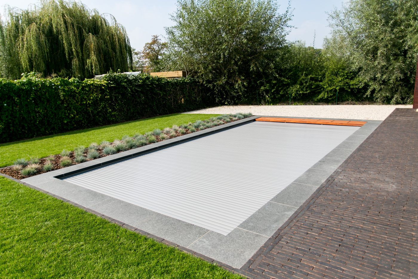 comment traiter l 39 eau de sa piscine be pool. Black Bedroom Furniture Sets. Home Design Ideas